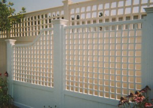 custom-vinyl-fences