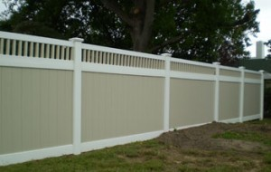 semi provacy vinyl fence